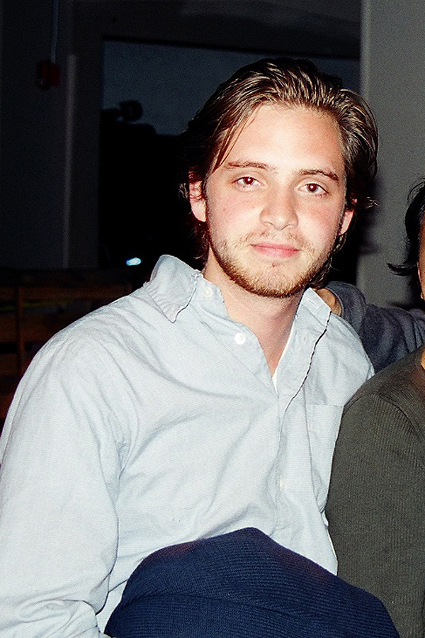 aaron stanford  Aaron Stanford